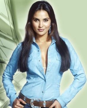 Lara Dutta Miss Universe Photos » MirchiWoods
